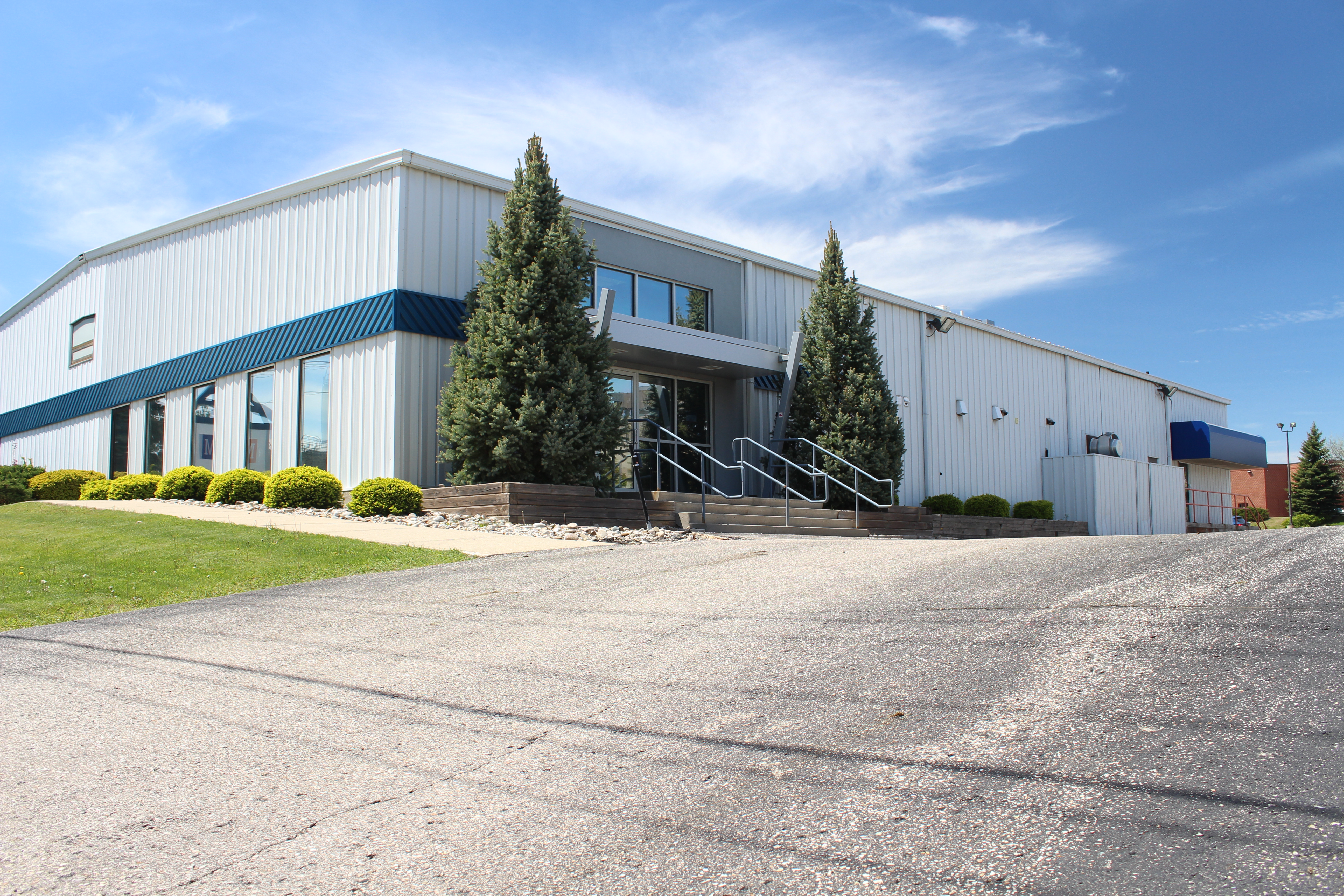 640 Trillium Drive, Kitchener (Huron Business Park) | For Sale or Lease