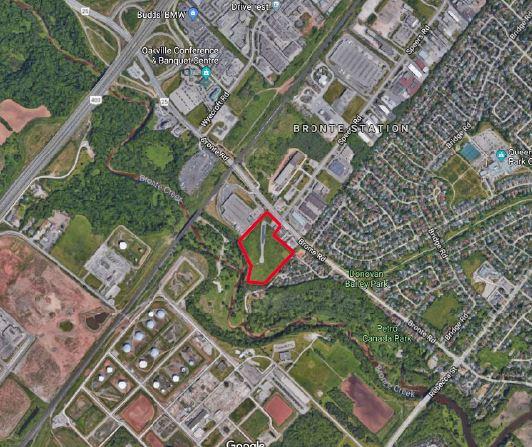 574-576 Bronte Road, Oakville | UNDER CONTRACT