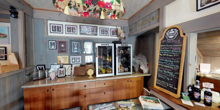 Neustadt Springs Brewery For Sale Cushman & Wakefield Waterloo Region Ltd., Brokerage www.cushwakewr.com 3