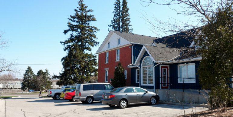 1188 Ottawa St S SAM_1394