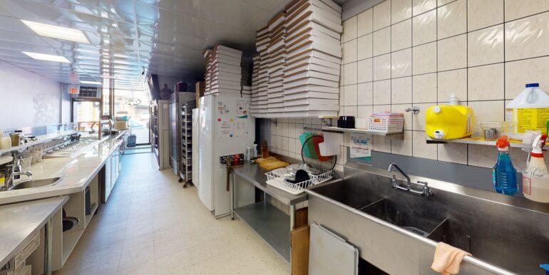 79-Macdonell-St-Geulph-Kitchen(1)